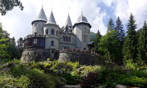 Castel Savoia Gressone Saint Jean Val D Aosta